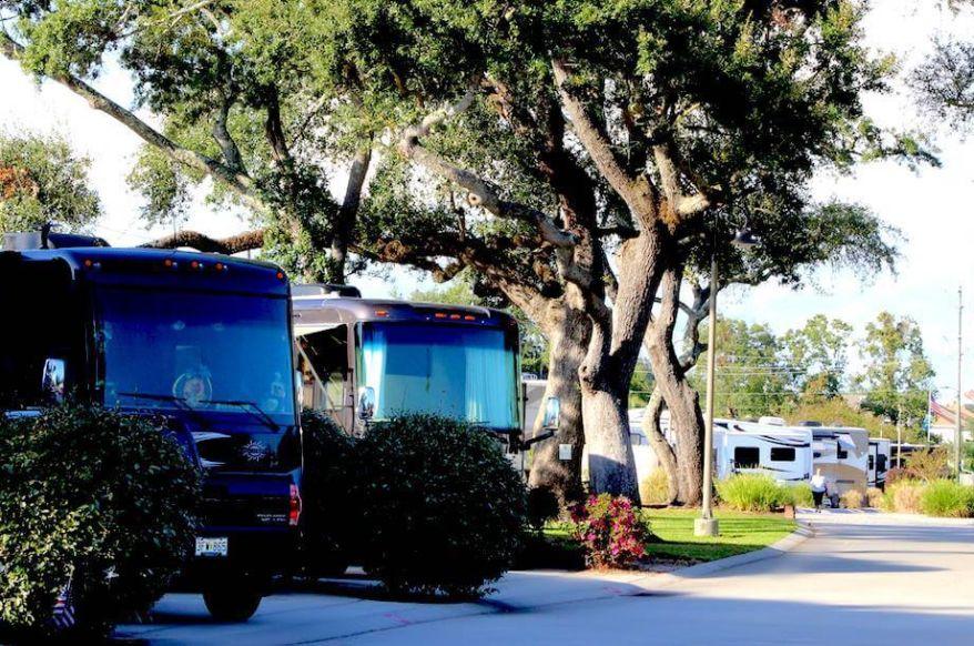 15 Majestic Oaks RV Resort